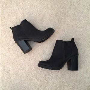 """Sam & Libby """"Deanna"""" Stacked Heel Booties"""